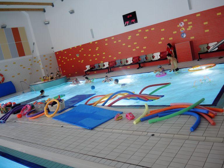 Pływalnie otwarte dla wszystkich !